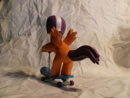 Scootaloo back by McMesser