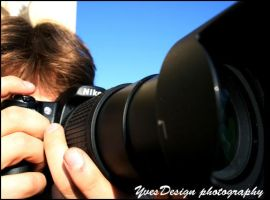 me with my nikon D80 by YvesDesign