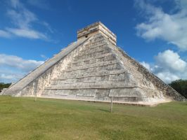 Chichen Itza by eyannaandkianalovesu