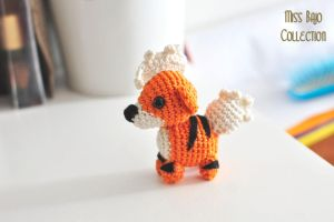 Growlithe by MissBajoCollection
