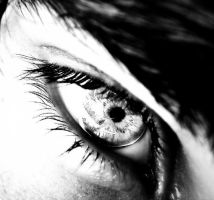 bw eye by h23b