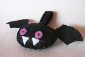 Battie - halloween keychain by dear-dead-ofelia