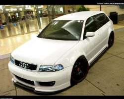Audi RS4 by hesoyam25