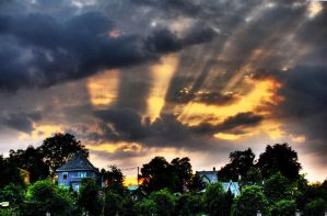 Light in the sky by StiligeCecilie