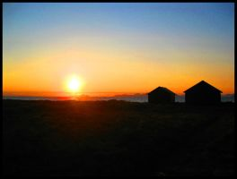 Midnight Sun in Lofoten by Ingoldfishbowl