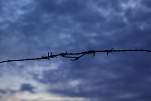 Wire fence by BrOk3nW1Ng5