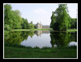 Chateau de Chantilly by ButterFly-Away