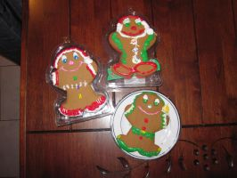 Gingerbread Men by IHAVE77ISSUES