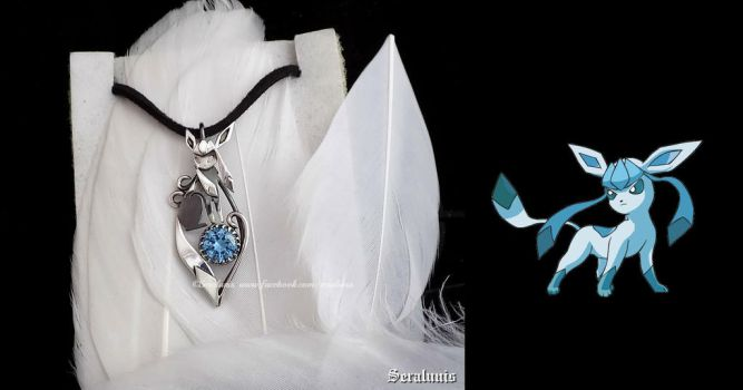 'Glaceon with aquamarine', sterling silver pendant by seralune