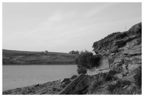 Reservoir in black and white by lmsmith