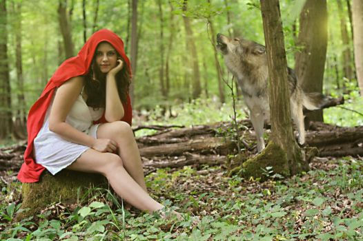 Red Riding Hood by AnnRachi