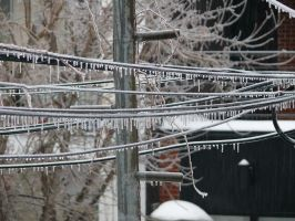 Verglas - ice on wire by AnneLaureJousse