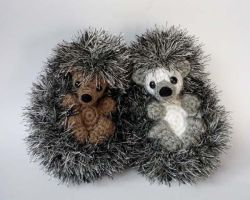 Shy hedgehogs by LunasCrafts