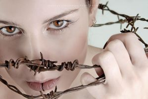 Thorns III by moijra