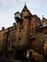 Edinburgh building by Estruda