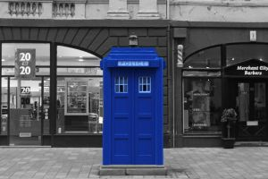 Police Box - Background desaturated version by lindsaymobil22