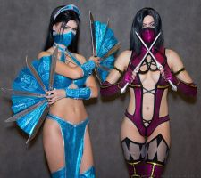 Kitana cosplay Mortal Kombat 9 by Nemu013