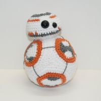 BB-8 by Heartstringcrochet