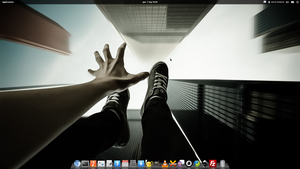 My desktop - elementaryOS Luna Daily by Dikoo