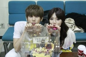 HyunSeung HyunA: Trouble Maker by waterbirdART