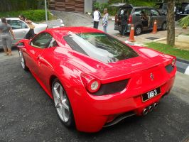 Ferrari 458 Italia (up close) by EssZX
