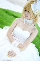 VOCALOID_White Magnet_Rin by MmeWhoo