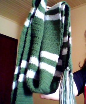 Slytherin Scarf by drianis