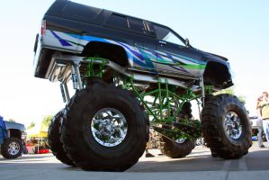lifted 4runner by SurfaceNick