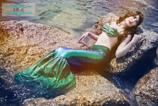 LBofE Walking Mermaid Tail - Relaxing by TheRestlessCosplay