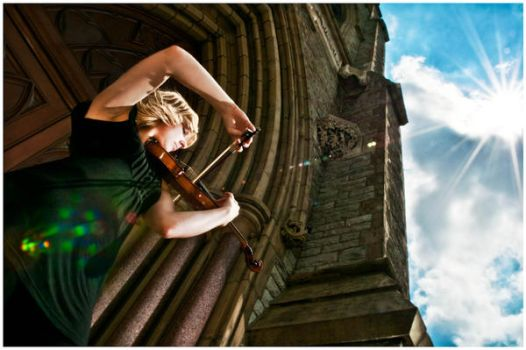 The Violinist by VonWong