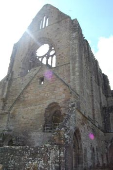 Tintern Abbey in the sunlight by Little-Princess-Kate