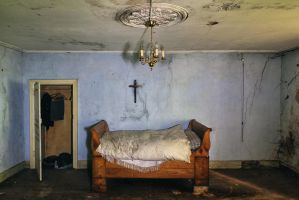 sleeping with ghosts by schnotte