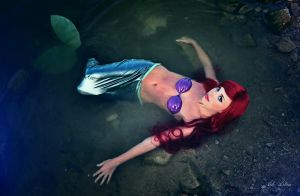 Ariel at the bottom of the sea by Yana-Mio