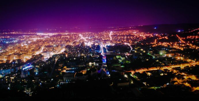 Earth hour - Half lit city by maxdanger2