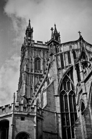 Gloucester_Cathedral_by_ajstockdale.jpg