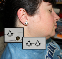 Assassin's Creed Earrings by Saldemonium