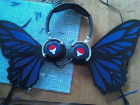 Uchiha Headphones commission by simple-minded-saul